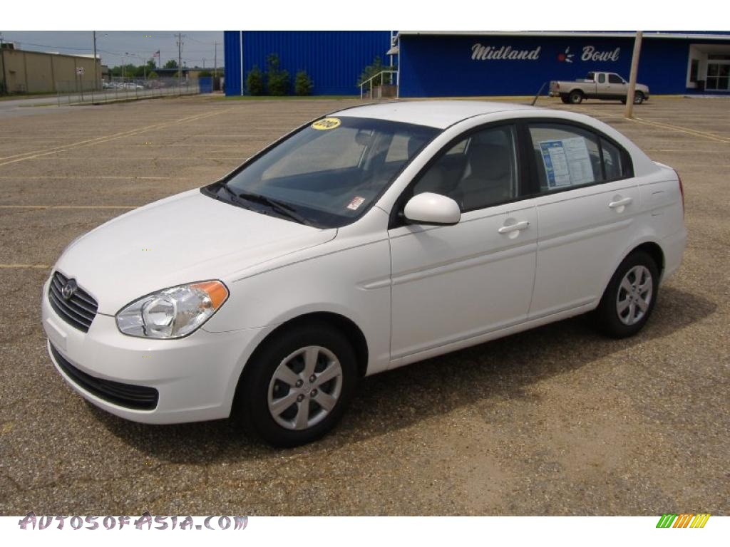 2010 hyundai accent gls 4 door in nordic white 460276. Black Bedroom Furniture Sets. Home Design Ideas