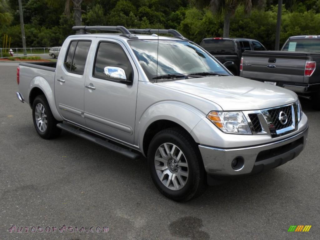 2010 nissan frontier le crew cab in radiant silver metallic 444560 autos of asia japanese. Black Bedroom Furniture Sets. Home Design Ideas
