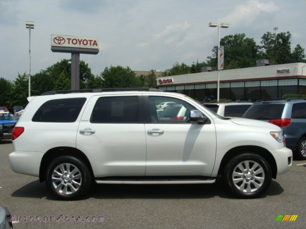 2008 toyota sequoia platinum 4wd in super white 015410. Black Bedroom Furniture Sets. Home Design Ideas