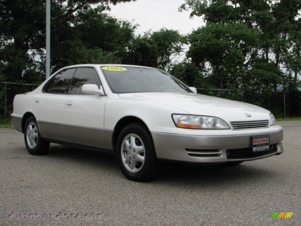 1994 lexus es 300 in diamond white pearl photo 3 068632. Black Bedroom Furniture Sets. Home Design Ideas