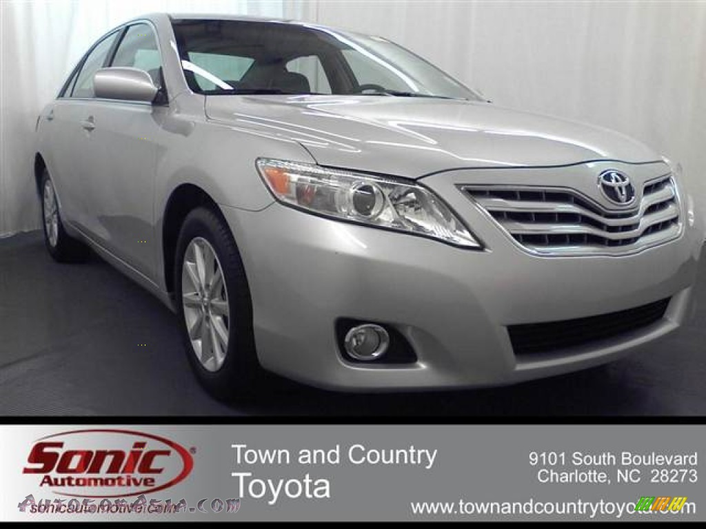 2010 toyota camry xle v6 in classic silver metallic 607024 autos of asia japanese and. Black Bedroom Furniture Sets. Home Design Ideas