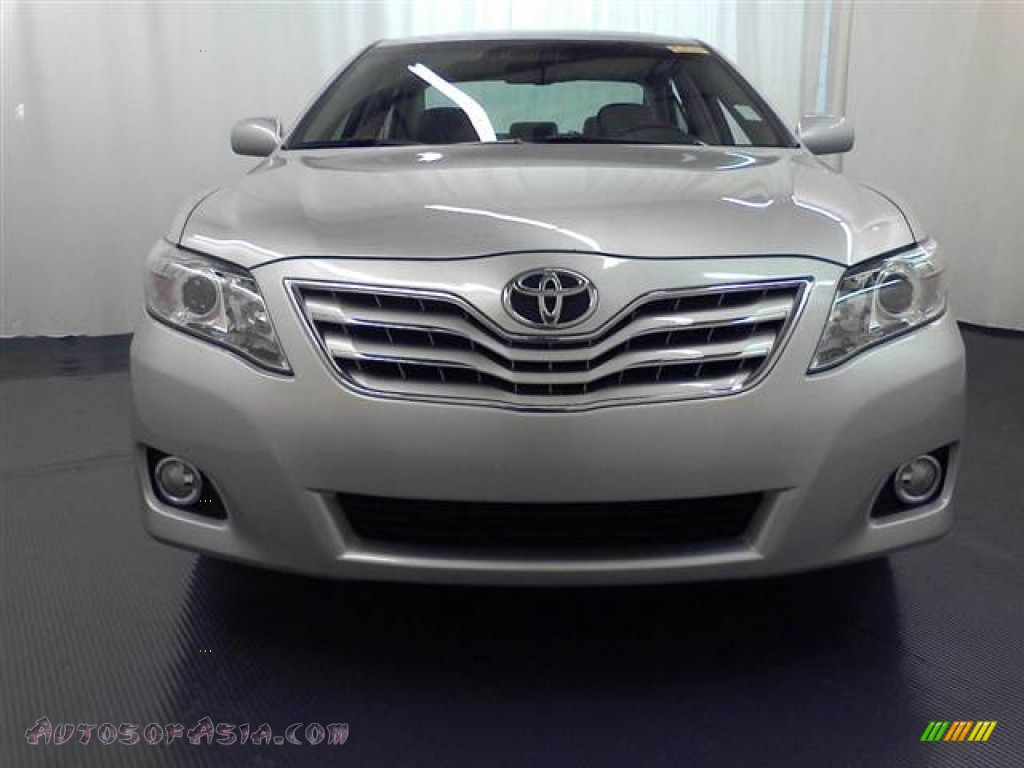 2010 toyota camry xle v6 in classic silver metallic photo 2 607024 autos of asia japanese. Black Bedroom Furniture Sets. Home Design Ideas