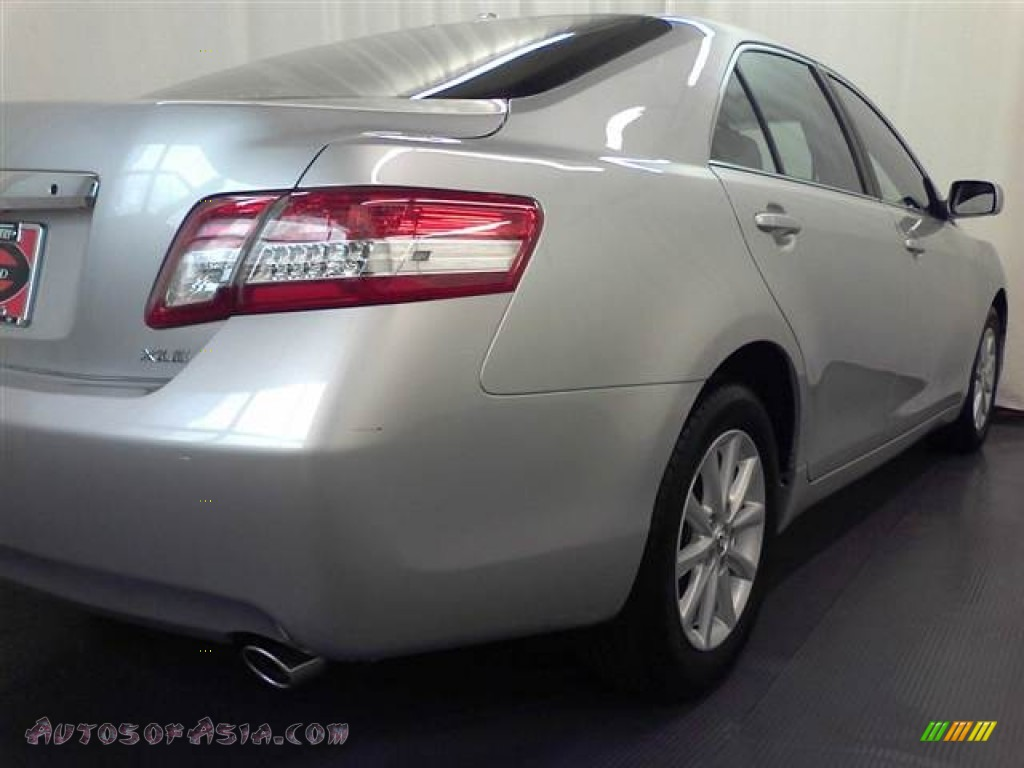 2010 toyota camry xle v6 in classic silver metallic photo 16 607024 autos of asia. Black Bedroom Furniture Sets. Home Design Ideas