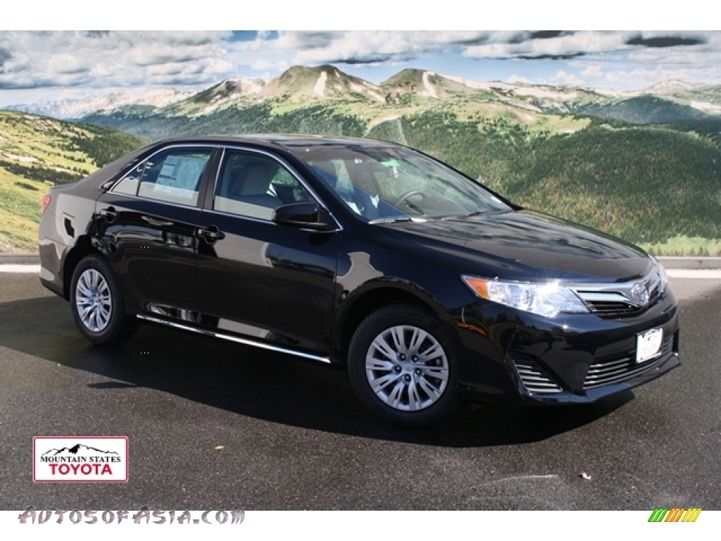 2012 toyota camry le in attitude black metallic 004443