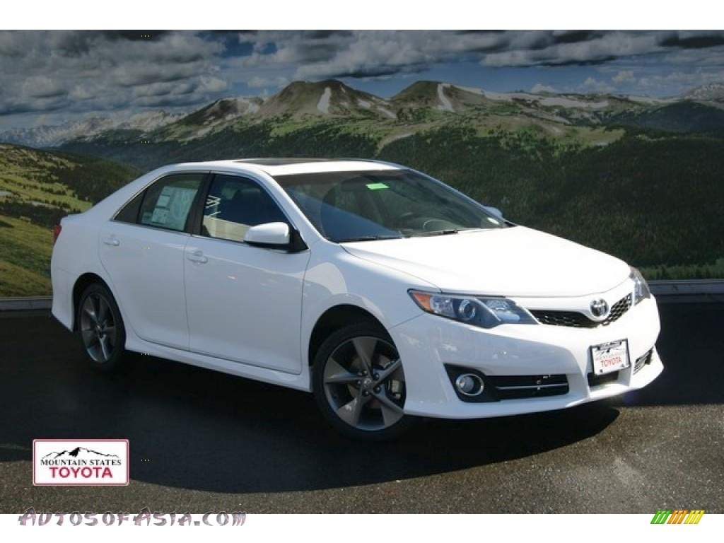 2012 toyota camry se v6 in super white 503789 autos of asia japanese and korean cars for. Black Bedroom Furniture Sets. Home Design Ideas