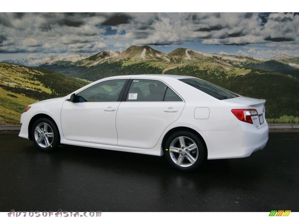 2012 toyota camry se in super white photo 4 508461 autos of asia japanese and korean cars. Black Bedroom Furniture Sets. Home Design Ideas
