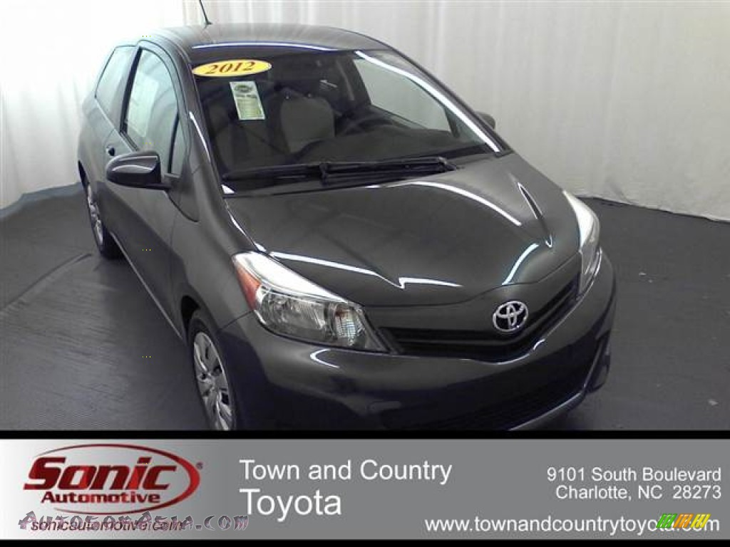 2012 toyota yaris l 3 door in magnetic gray metallic 500439 autos of asia japanese and. Black Bedroom Furniture Sets. Home Design Ideas