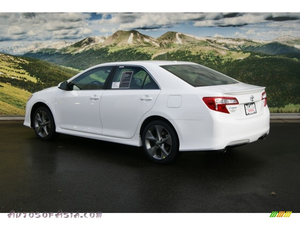 2012 toyota camry se v6 in super white photo 3 506951 autos of asia japanese and korean. Black Bedroom Furniture Sets. Home Design Ideas