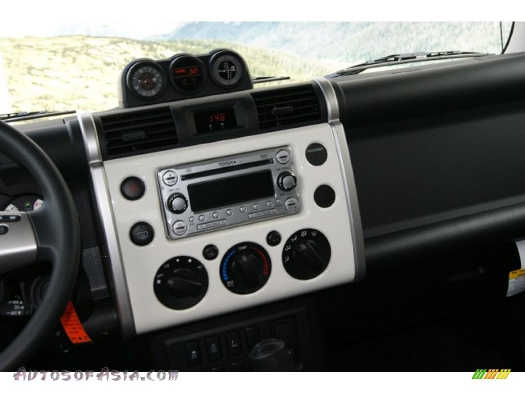 2012 Toyota Fj Cruiser 4wd In Iceberg White Photo 13