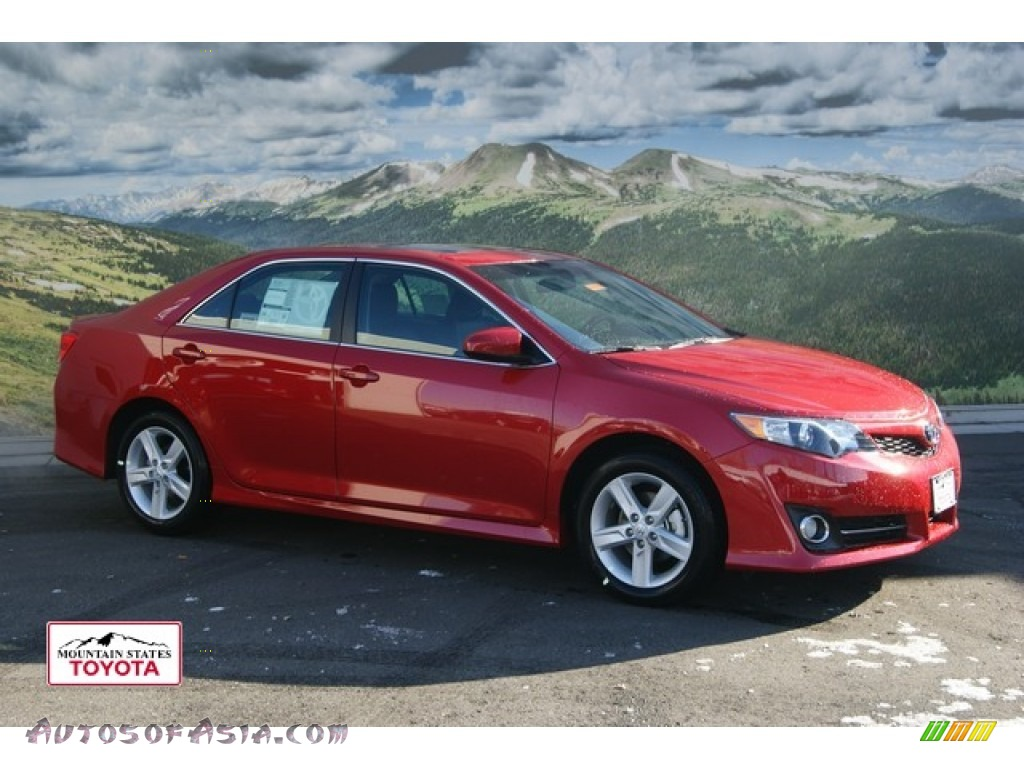 2012 Toyota Camry Se In Barcelona Red Metallic 510179