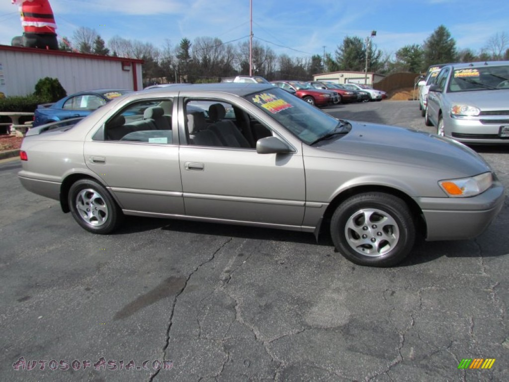 1999 Toyota Camry Le In Antique Sage Pearl 434232