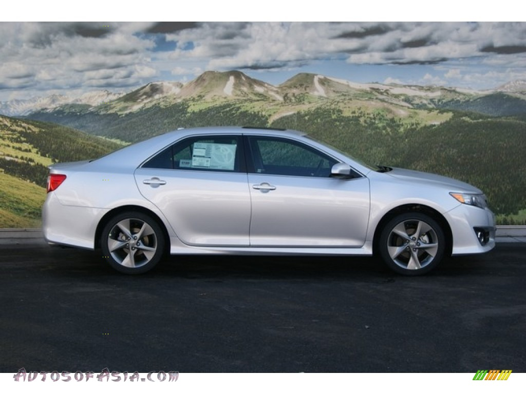 2012 toyota camry se v6 in classic silver metallic photo 2 002026 autos of asia japanese. Black Bedroom Furniture Sets. Home Design Ideas