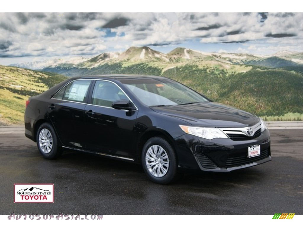 2012 Toyota Camry Le In Attitude Black Metallic 176187