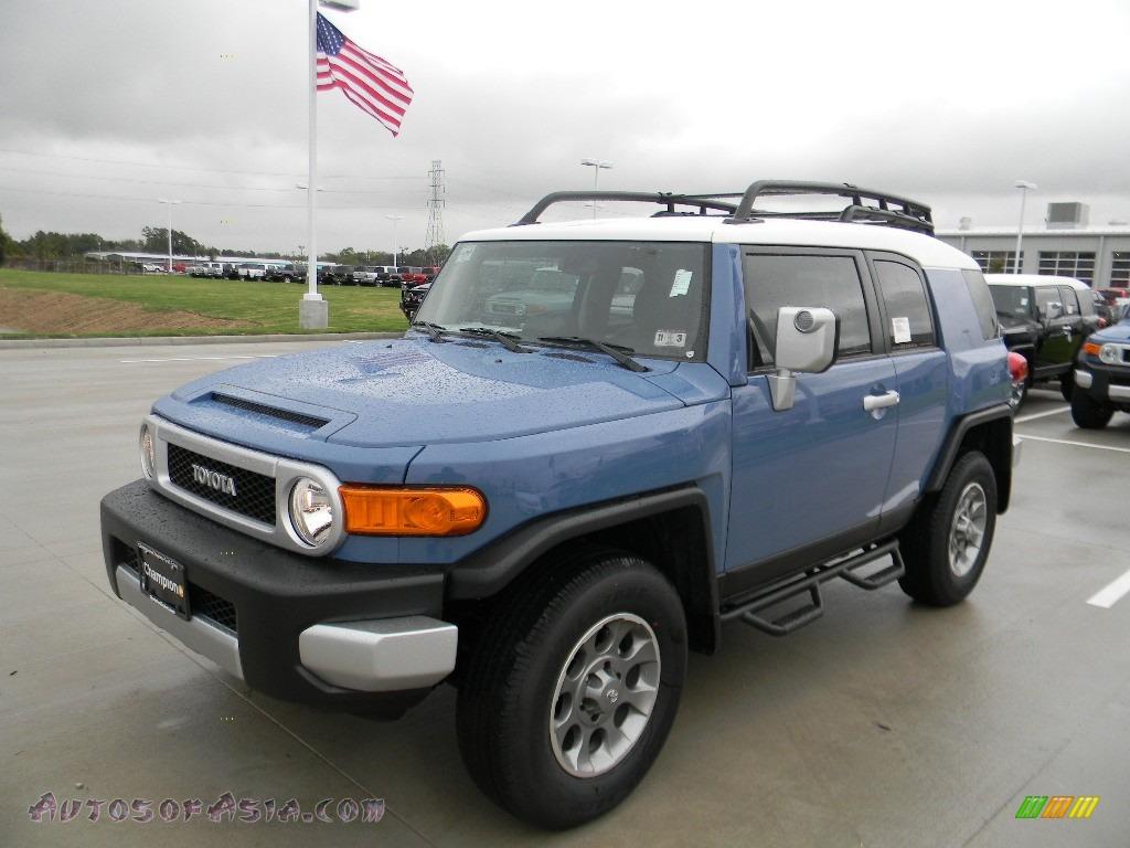 2012 Toyota Fj Cruiser 4wd In Cavalry Blue 121996