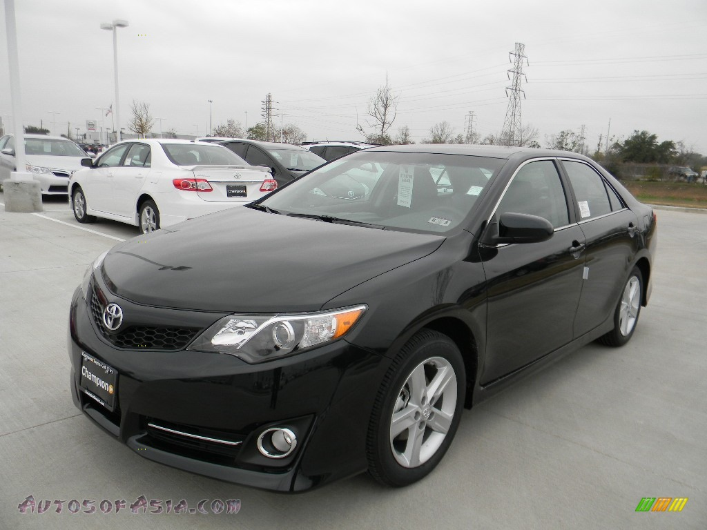 2012 Toyota Camry SE in Cosmic Gray Mica - 034200 | Autos ...