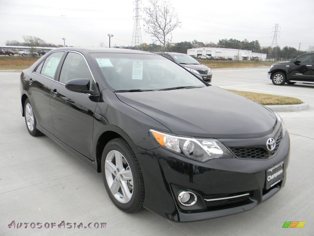 2012 toyota camry se in cosmic gray mica photo 3 034200 autos of asia japanese and korean. Black Bedroom Furniture Sets. Home Design Ideas