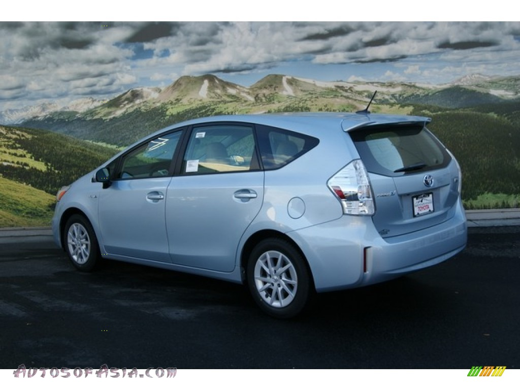 2012 Toyota Prius V Three Hybrid In Clear Sky Blue