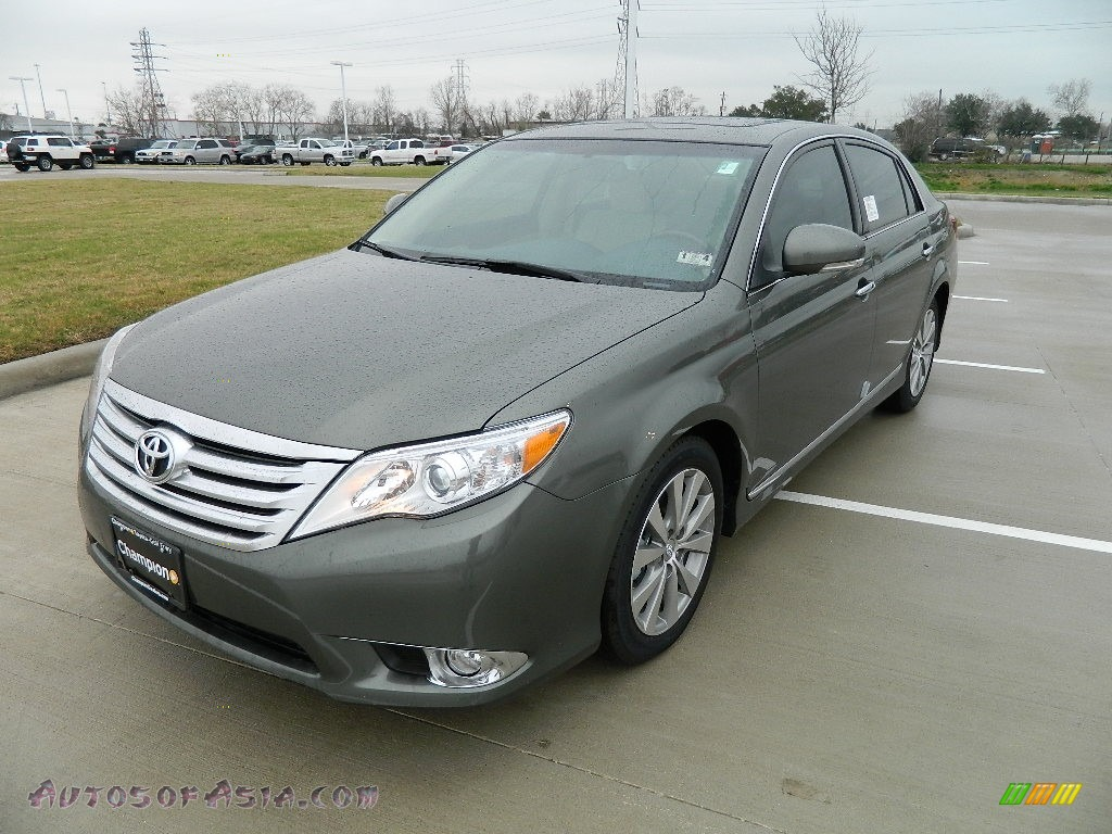 2011 Toyota Avalon Limited In Cypress Green Pearl Photo 6