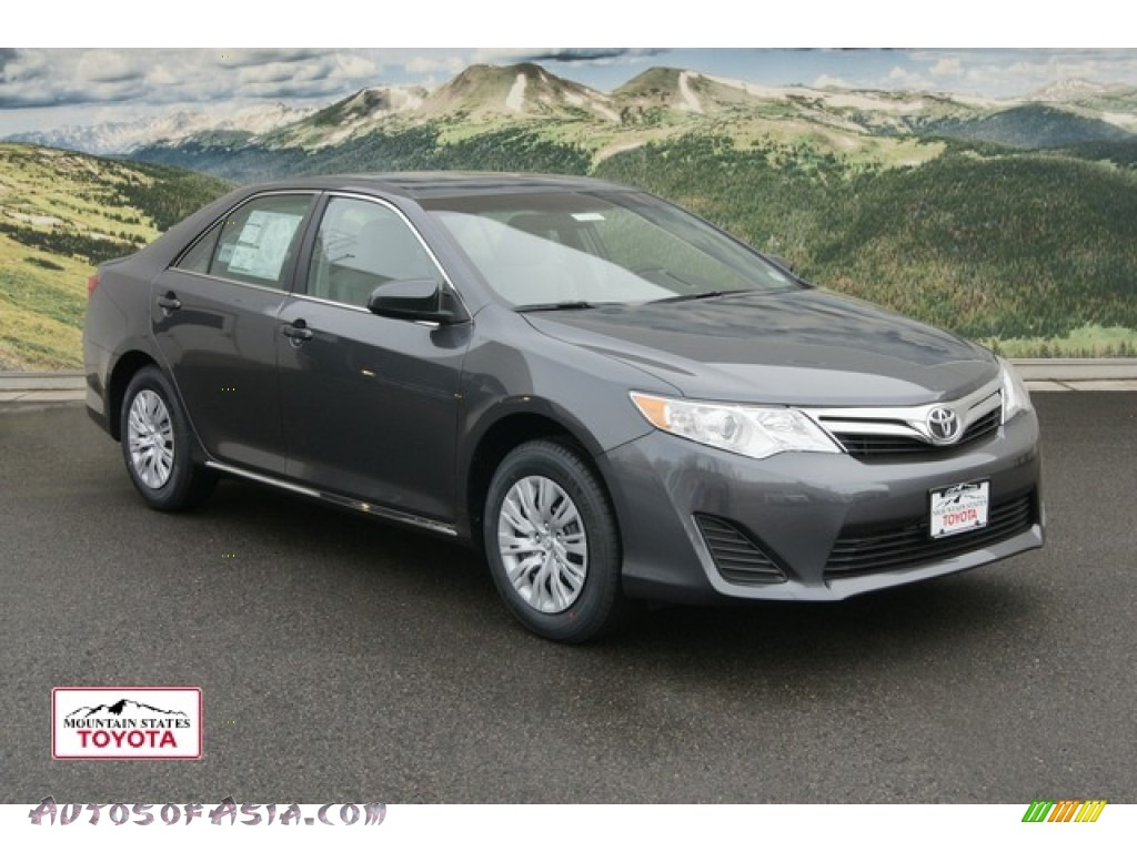 2012 toyota camry le in magnetic gray metallic photo 7 190129 autos of asia japanese and. Black Bedroom Furniture Sets. Home Design Ideas