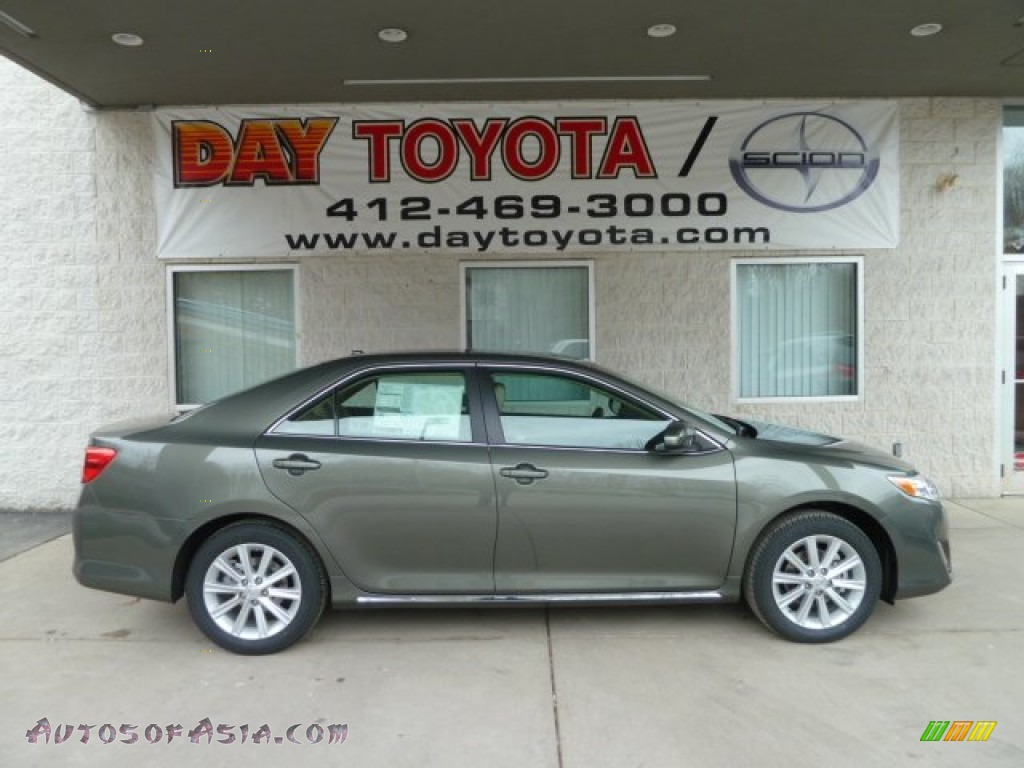 2012 Toyota Camry Xle V6 In Cypress Green Pearl 512700 Autos Of