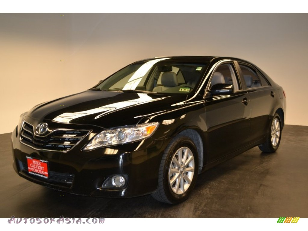 2010 toyota camry xle v6 in black 106412 autos of asia japanese and korean cars for sale. Black Bedroom Furniture Sets. Home Design Ideas