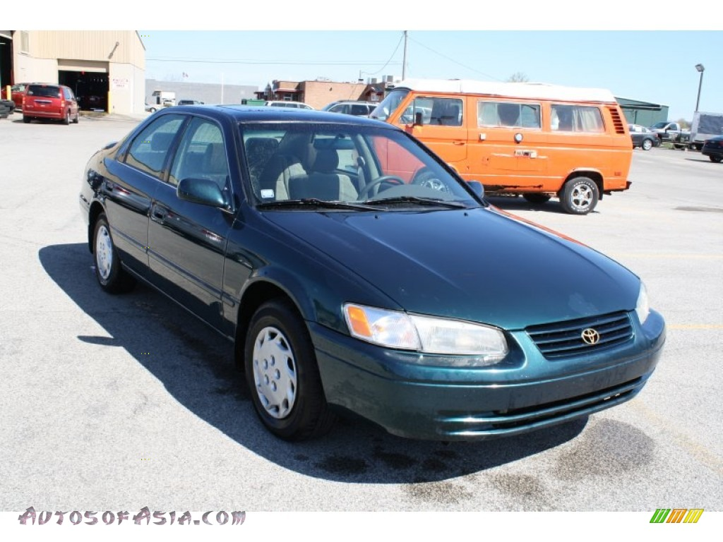 1997 Toyota Camry Le In Classic Green Pearl 065084 Autos Of Asia