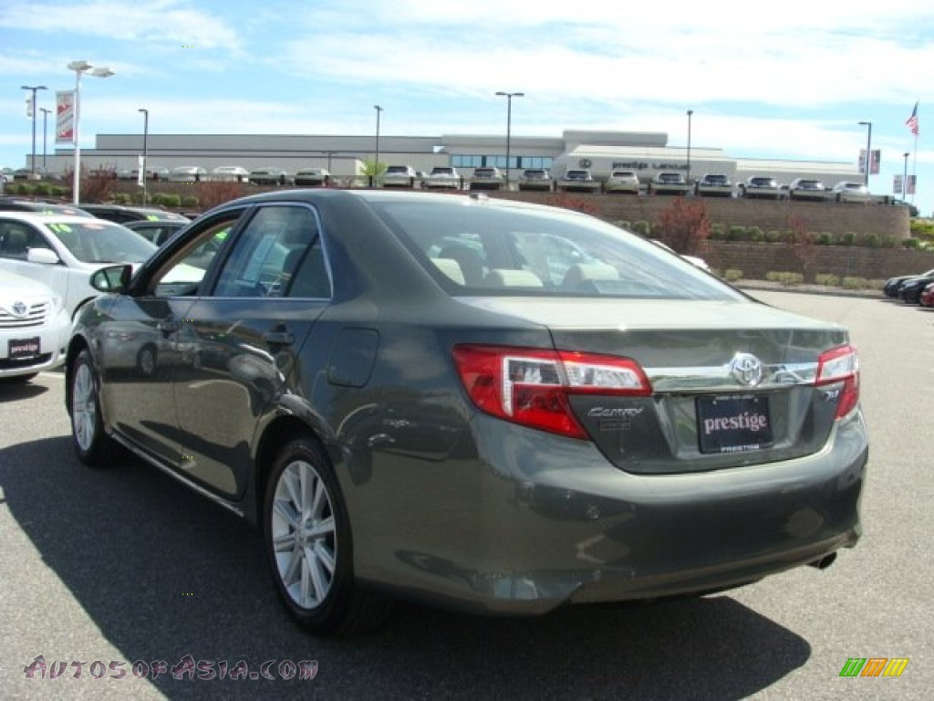 2012 Toyota Camry Xle In Cypress Green Pearl Photo 4 161586