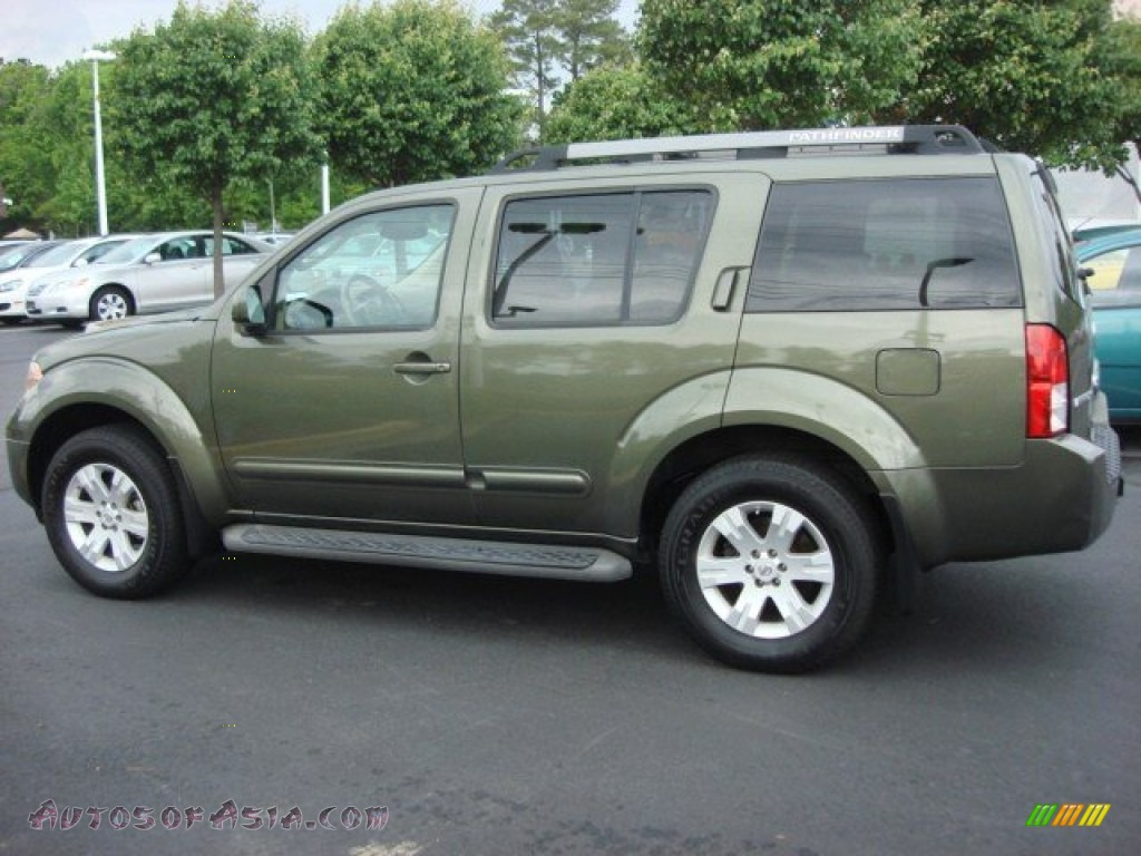 2005 nissan pathfinder le 4x4 in canteen green metallic. Black Bedroom Furniture Sets. Home Design Ideas