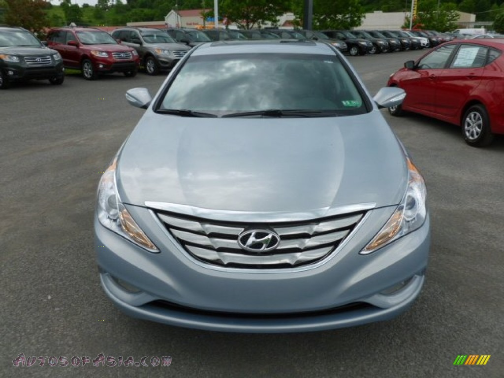 2013 hyundai sonata limited in iridescent silver blue pearl photo 2 526517 autos of asia. Black Bedroom Furniture Sets. Home Design Ideas