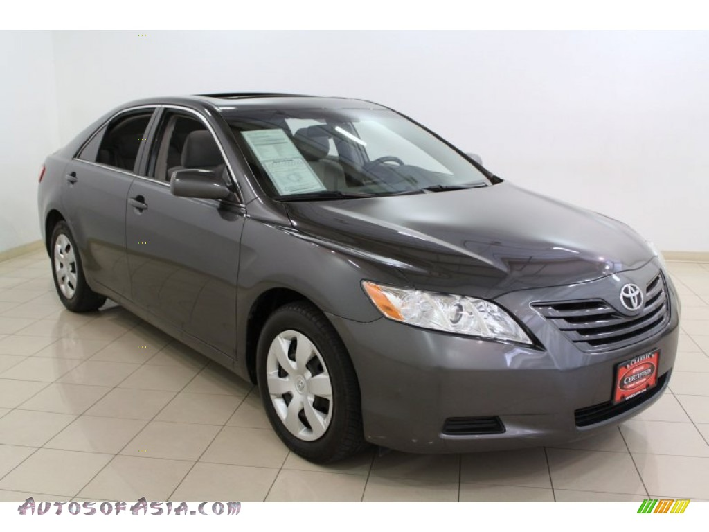 2008 toyota camry le in magnetic gray metallic photo 2 042235 autos of asia japanese and. Black Bedroom Furniture Sets. Home Design Ideas