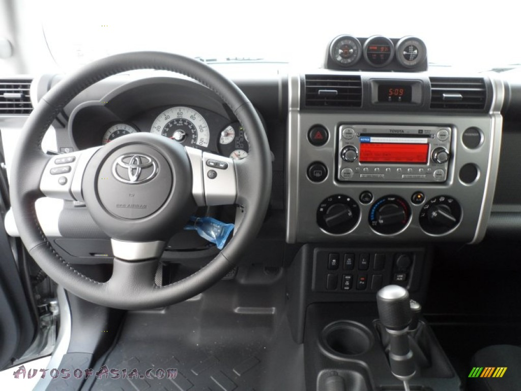 2012 Toyota Fj Cruiser 4wd In Silver Fresco Metallic Photo