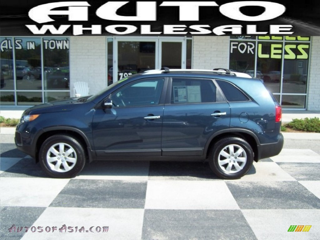 2011 Kia Sorento LX V6 in Pacific Blue - 170004 | Autos of ...