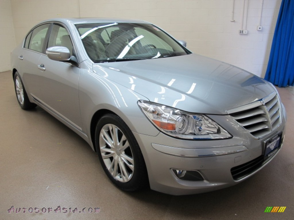 2009 hyundai genesis 4 6 sedan in platinum metallic. Black Bedroom Furniture Sets. Home Design Ideas