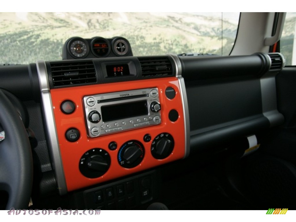 2013 Toyota FJ Cruiser 4WD in Magma Orange photo #6 - 149195 | Autos ...