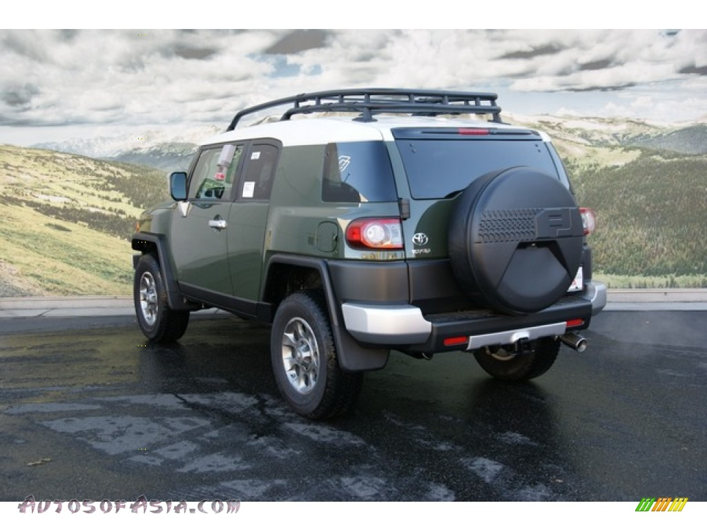 2013 toyota fj cruiser 4wd in army green photo 2 151339 autos of asia japanese and korean. Black Bedroom Furniture Sets. Home Design Ideas