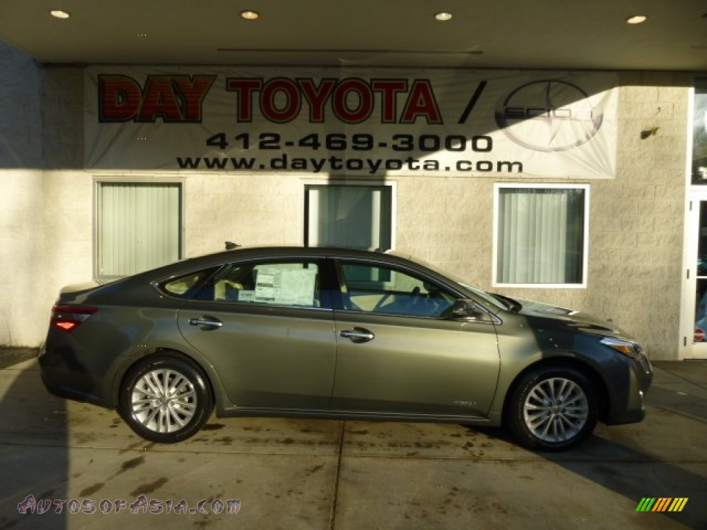 2013 toyota avalon hybrid limited in cypress green pearl photo 10 001832 autos of asia