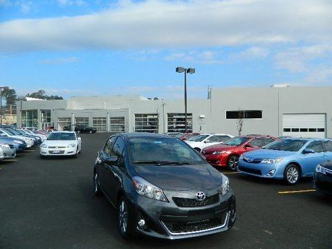 ... Gray Metallic Toyota Yaris SE 5 Door for sale | Autos of Asia