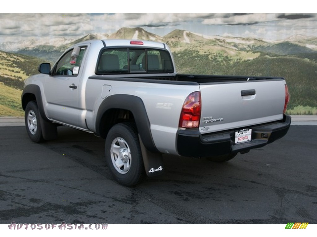 2013 toyota tacoma regular cab 4x4 in silver streak mica photo 2 016428 autos of asia. Black Bedroom Furniture Sets. Home Design Ideas