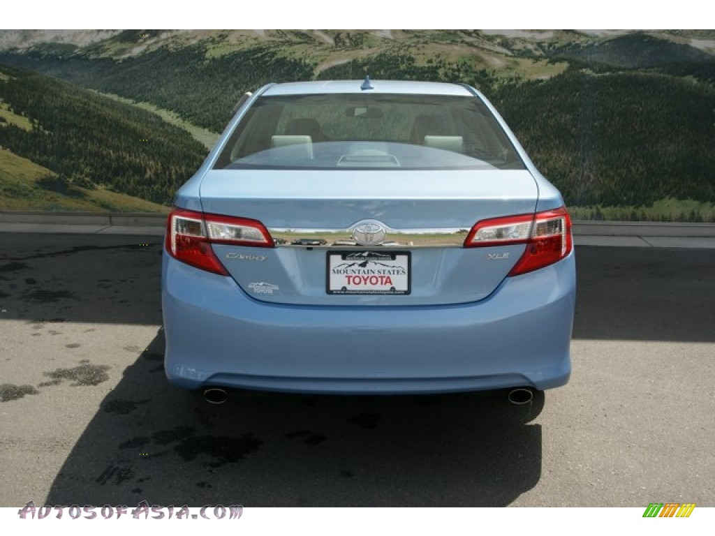 2013 toyota camry xle v6 in clearwater blue metallic photo 4 531789 autos of asia. Black Bedroom Furniture Sets. Home Design Ideas