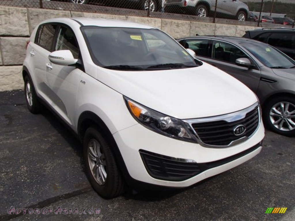 2011 kia sportage lx awd in clear white 075143 autos of asia japanese and korean cars for. Black Bedroom Furniture Sets. Home Design Ideas
