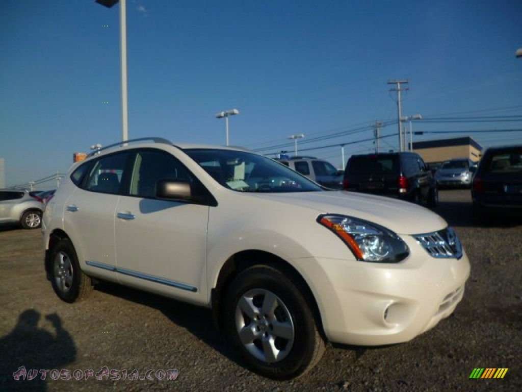 2014 nissan rogue select s awd in pearl white 702695 autos of asia japanese and korean. Black Bedroom Furniture Sets. Home Design Ideas