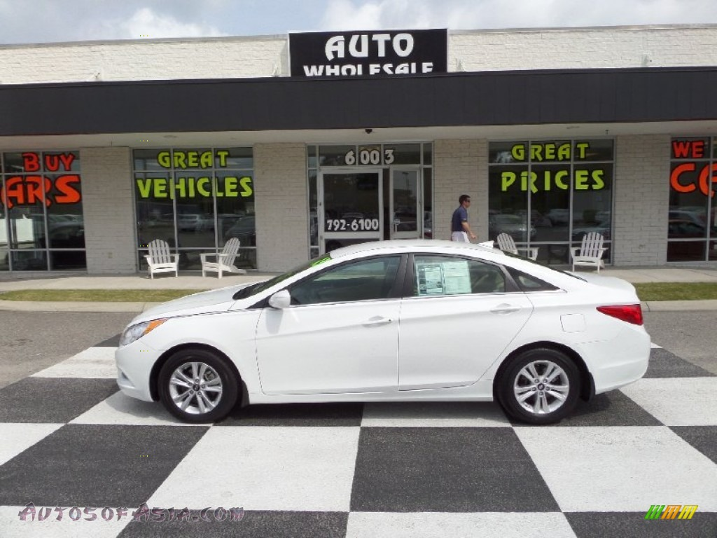 2013 Hyundai Sonata Gls In Shimmering White 783556