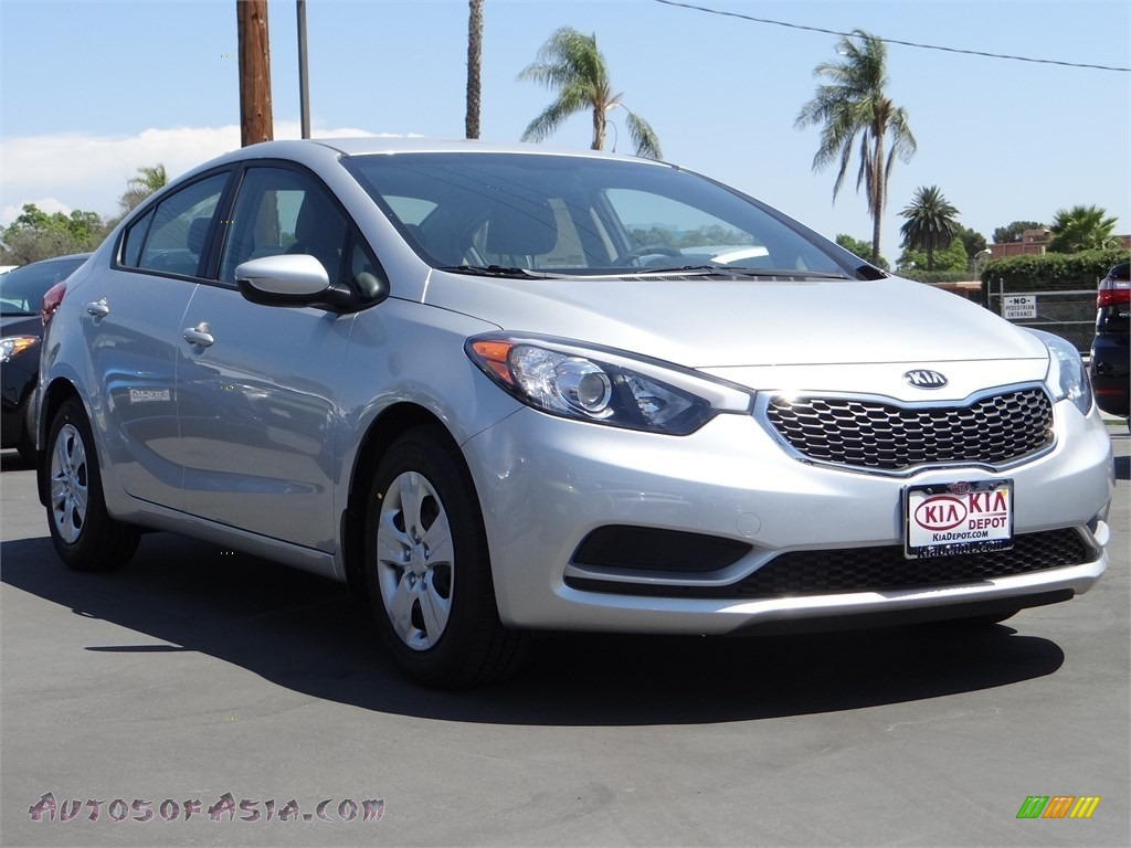 2015 kia forte lx in bright silver 285788 autos of asia japanese and korean cars for sale. Black Bedroom Furniture Sets. Home Design Ideas
